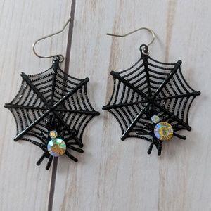 Jewelry - Spooky Spider Web Halloween Earrings